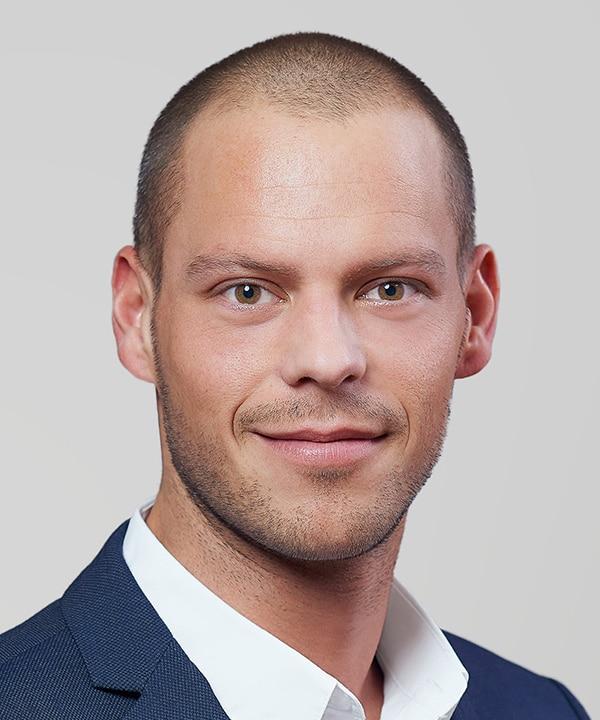 Dr. Hartl Autoverleih | Robert Hubal